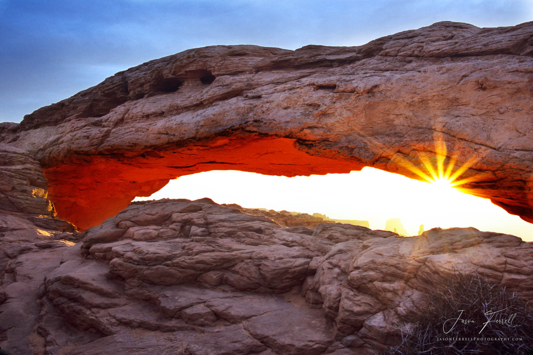 morning glow, canyonlands national park, utah, mesa arch, sunrise, shines, red, photo